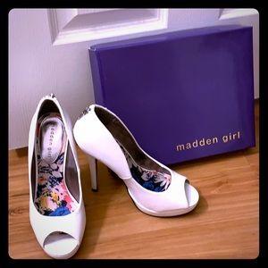 """White Madden Girl 5"""" heels"""